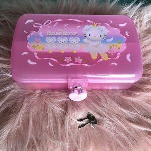 💖VTG Hello Kitty pencil box💖